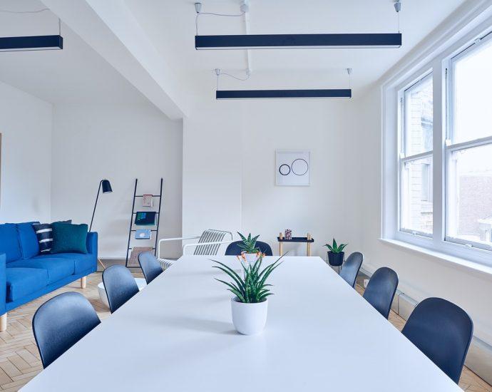 Nowoczesne krzesła w domu i biurze