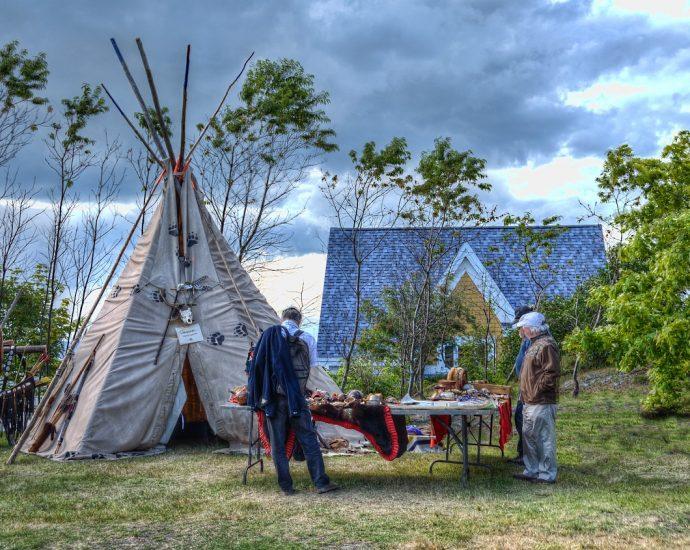 Ciekawe miejsce do zabawy: namiot tipi