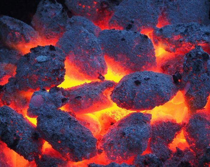 Węgiel w kostkach z Rosji