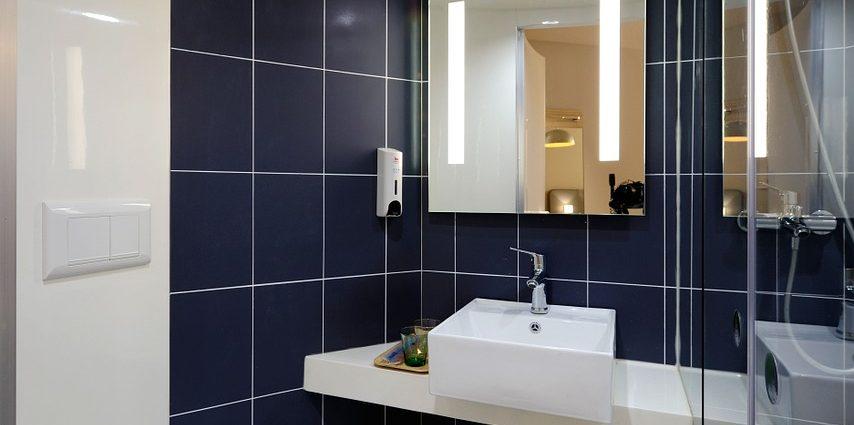 Jak przygotować łazienkę dla osoby niepełnosprawnej?